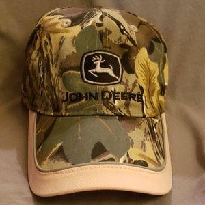 Women's John Deere baseball hat- Camo & Pink